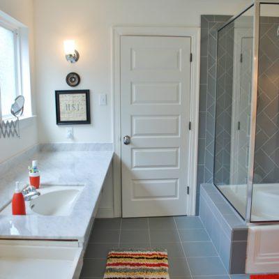 Hunt & Host Home Tour: Boy's Bathroom
