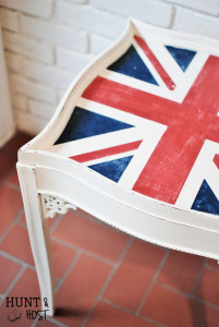 weathered union jack flag side table chalkpaint huntandhost.net