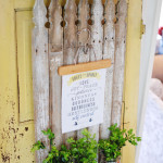 Magnolia Market inspired farmhouse kitchen message board out of fence pickets by www.huntandhost.net