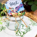 Dollar store Easter decorating ideas. Make a cute and easy Easter table for the kids plus other spring decor from the dollar store here!