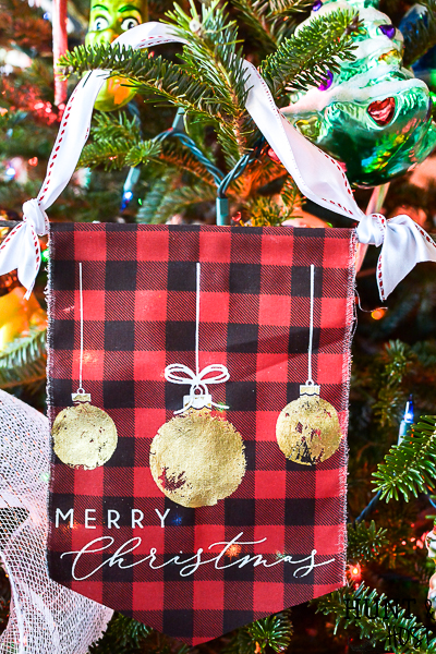 Easy ideas for handmade fabric Christmas ornaments you will cherish for years to come. These special heirloom ornaments are simple and fun to make! Learn how to use gold leaf on fabric and gorgeous detailed stencils with Chalkart or Gel Art Ink.