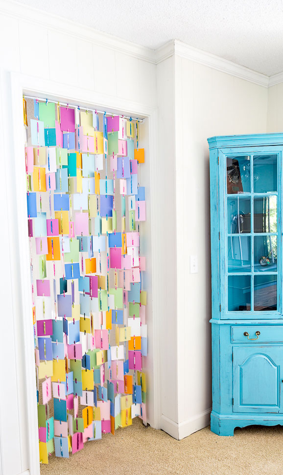 Unexpected DIY curtain ideas for your home,. Theses easy curtain ideas will have you treating your window in no time. A variety of textures, colors and styles wait in this DIY window curtain collection. #windowcovering #DIYcurtain #drapes #dropclothcurtaintutorial #prettywindow