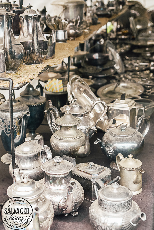 Vintage trends come and go, this list of the hot finds from the Spring 2019 Round Top Antiques Fair will help you keep your eyes peeled for the lasted decorating trends when you are out thrifting. Be on the lookout for silver tea pots, ladders, fur coats, tin cans, vintage photograph, vintage game pieces, antique bird cages and large canvas prints to name a few!