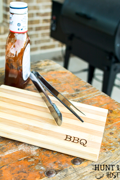 Personalize these inexpensive finds from Walmart with your Walnut Hollow Versa Tool and Hot stamps. Tons of personalized gift ideas, great for Father's Day gifts, Mother's Day gifts and special Christmas presents. Wood-burning letters is very easy and quick to do with tons of personalizing potential. #woddburning #personalizedgift #monogram #inexpensivegiftideas #DIYgifts #heatstamp