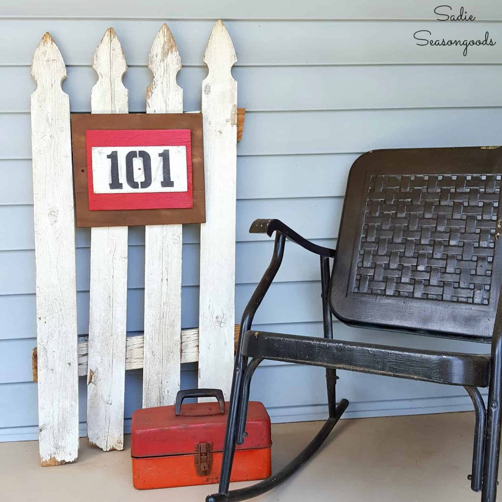 Add picket fence projects to your decor for cute, classic, country, farmhouse decor on a budget! These creative picket fence projects will add instant age and appeal to your home with a budget friendly DIY procetag. #picketfence #DIYfarmhousedecor #budgetdecor #upcycledfenceprojects #easyDIYideas #gardendecor #towelholderideas #DIYanimalaccessories
