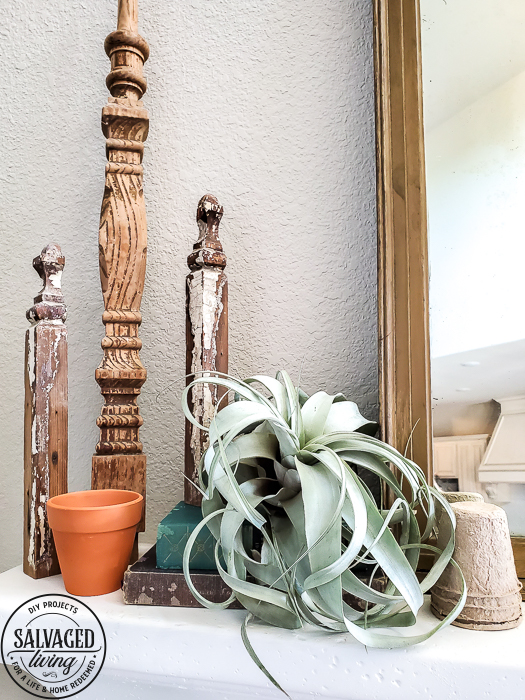 Quick garden mantel for any budget, perfect for a vintage style home in the summer or any time of year. #vintagedesign #summermantel #manteldecor #airplant #plantlady #vintagebreadpan