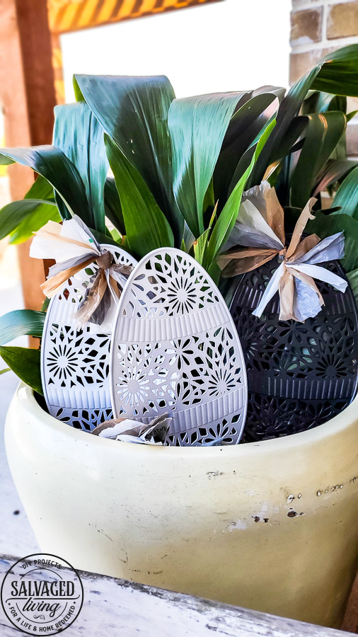 Try this easy idea for dollar store yard decor for Easter. You can get a fun farmhouse look for Easter decorations with this budget friendly Easter craft. I like to add yard decor to potted plants on my patio or potted plants inside. Who says yard art has to stay outside? #yarddecor #dollartreecraft #eastercraft #easterdecoridea