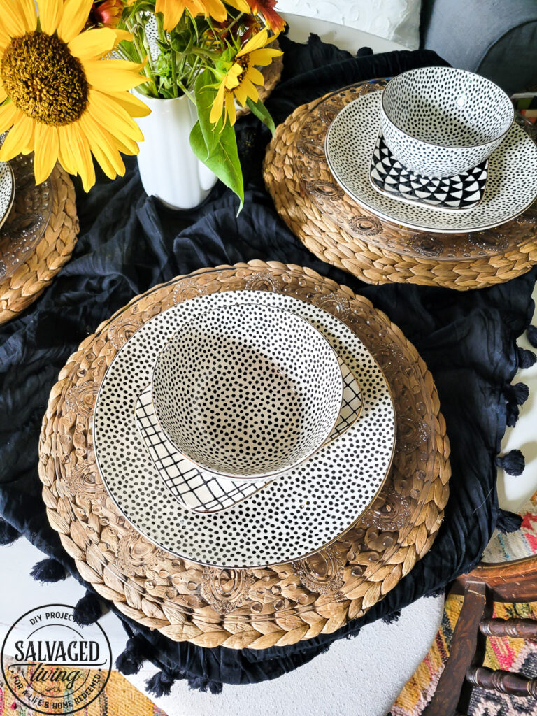 I got new dishes at Wal-Mart. It was time to freshen up after my divorce and throw out the old plates that were a wedding gift 20 years ago. I love these fun spunky new dishes for our everyday wear. Not to mention they are so affordable! #walmartfind #tableware #placesetting #newdishes #tablescape